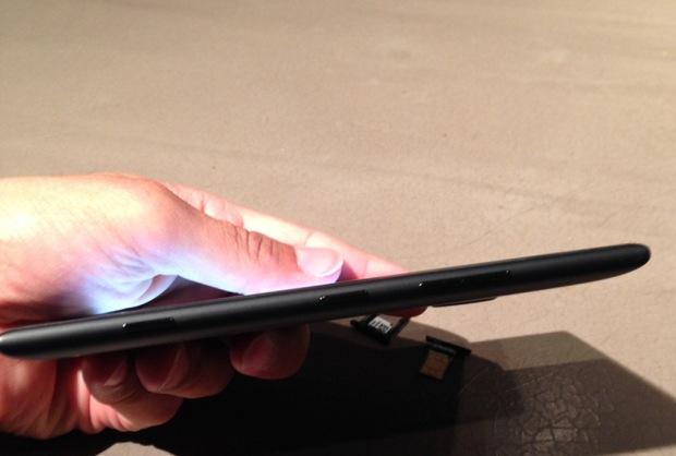 lumia1520 side view