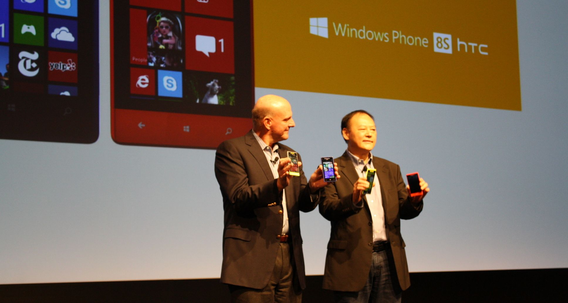 Microsoft in discussions with HTC for devices with both Windows Phone and Android installed