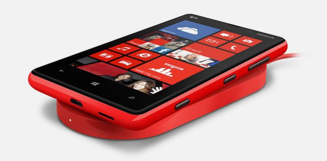 Nokia Windows Phone with wireless charging plate dt-900