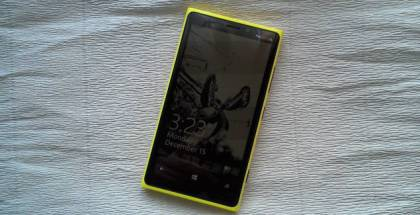 Glance Screen photo on Lumia 920 yellow