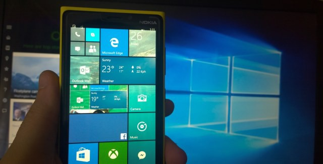 Windows 10 Logo and Windows Phone