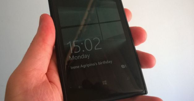 Windows 10 Glance on Lumia 1020 Nokia