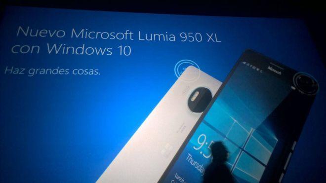 Lumia 950 back