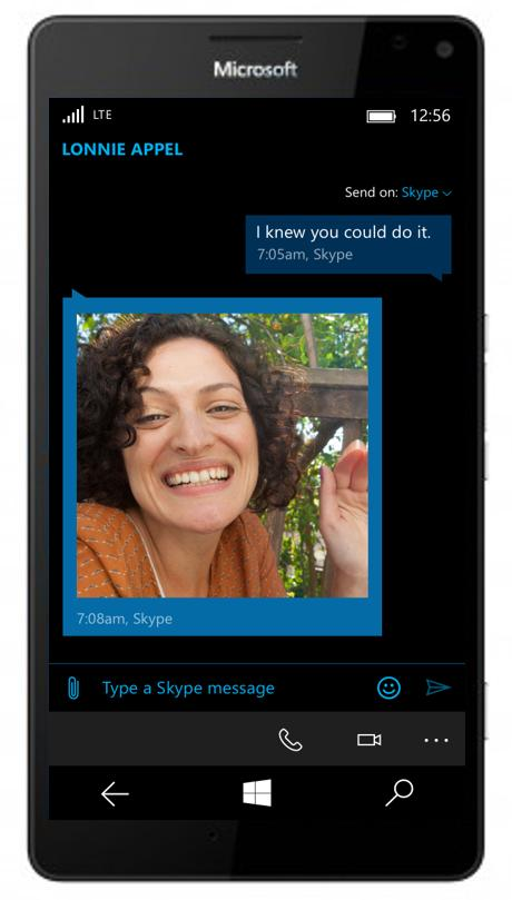 share photos windows 10 mobile messaging