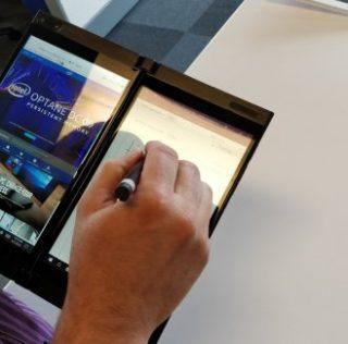 Intel shows a conceptual, foldable pocket PC