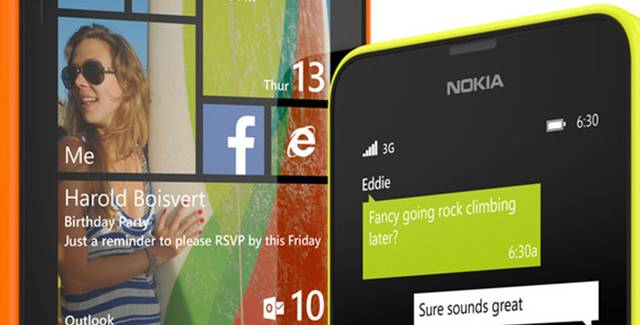 The Lumia 635 front windows chats