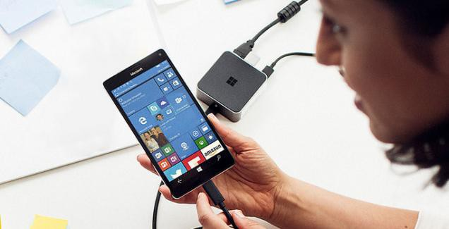 Lumia 950 display dock