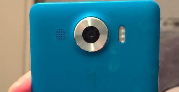 Lumia 950 Cyan