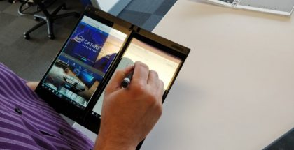 Intel shows a conceptual, foldable pocket PC